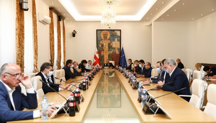 The Bureau discussed the Parliamentary activities scheduled for the current week